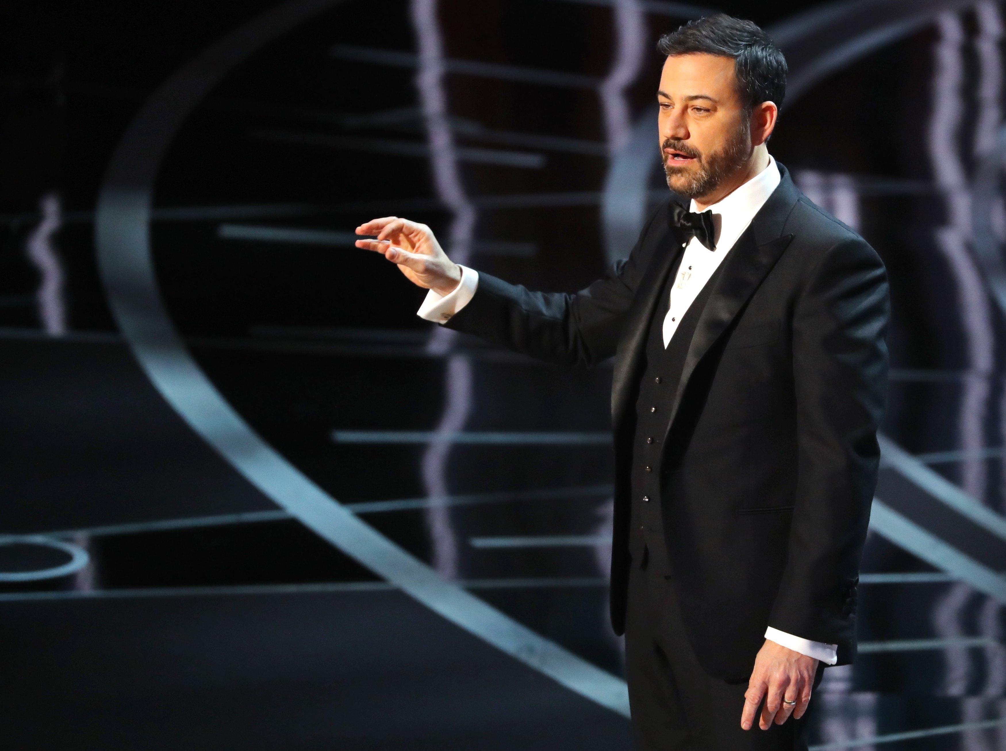Jimmy Kimmel to return as Oscars host for 2018 (15.99 16) 17133925cab