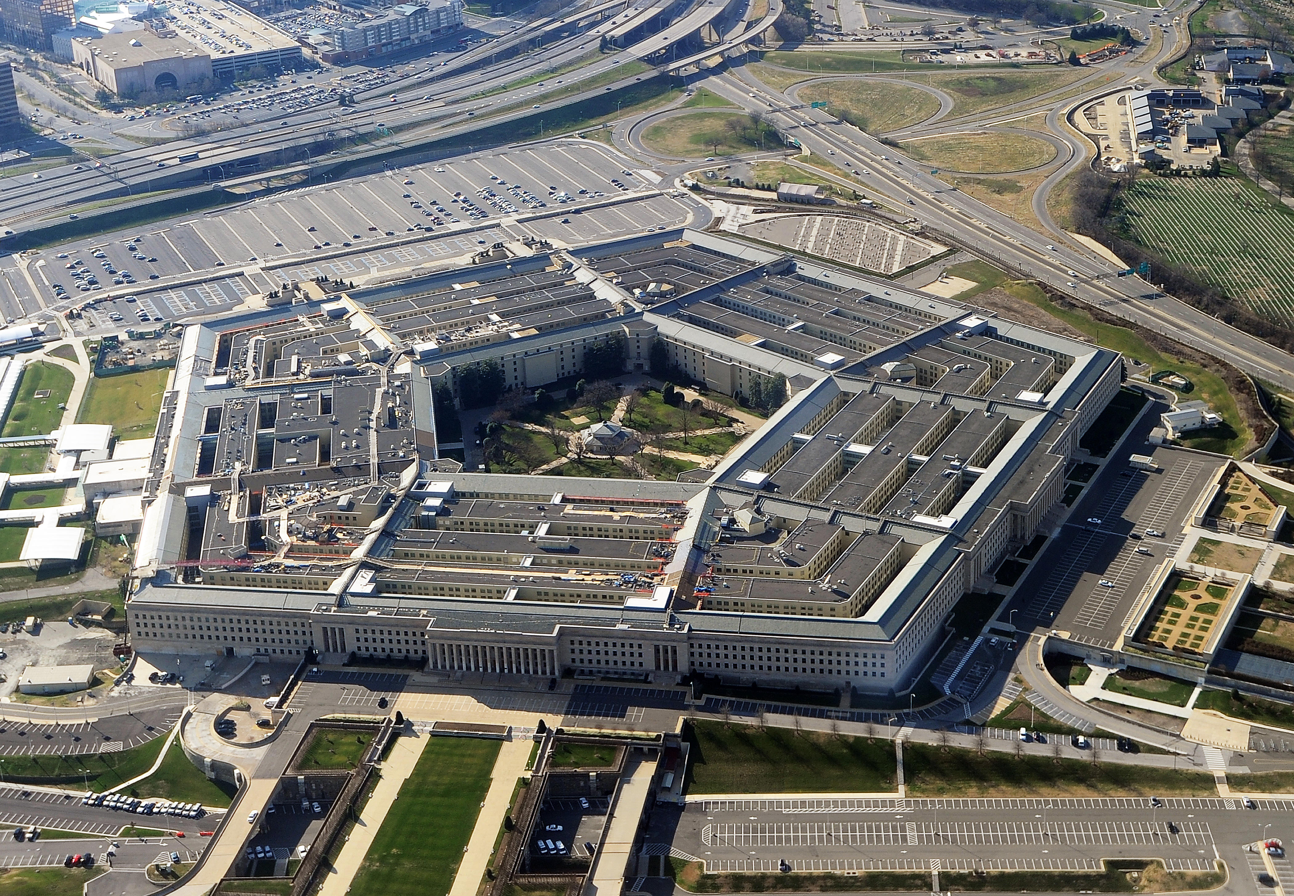 Pentagon warns employees: Don't stream March Madness games at work