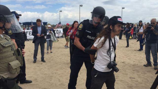 Protesters arrested for using pepper spray on pro-Trump marchers