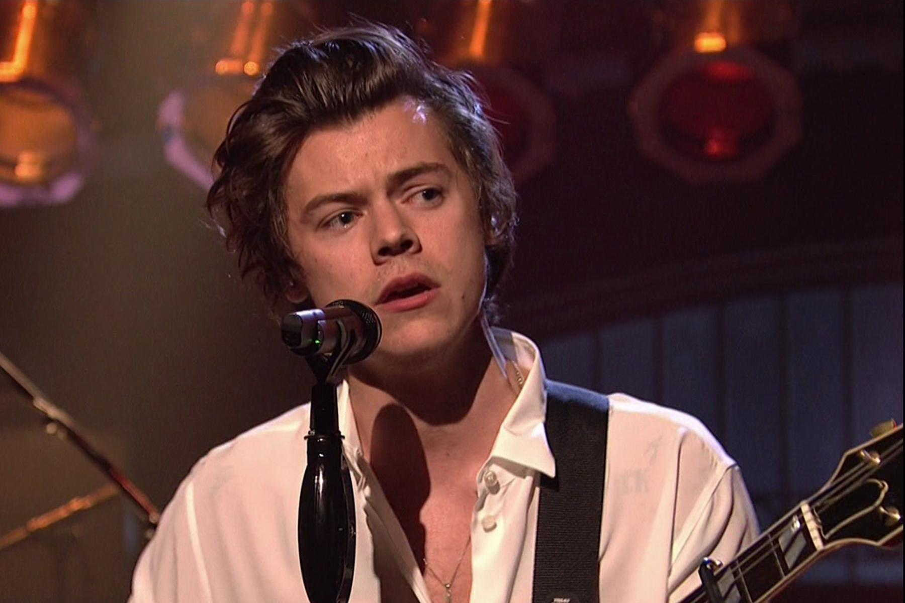 Harry Styles Announces First Solo World Tour