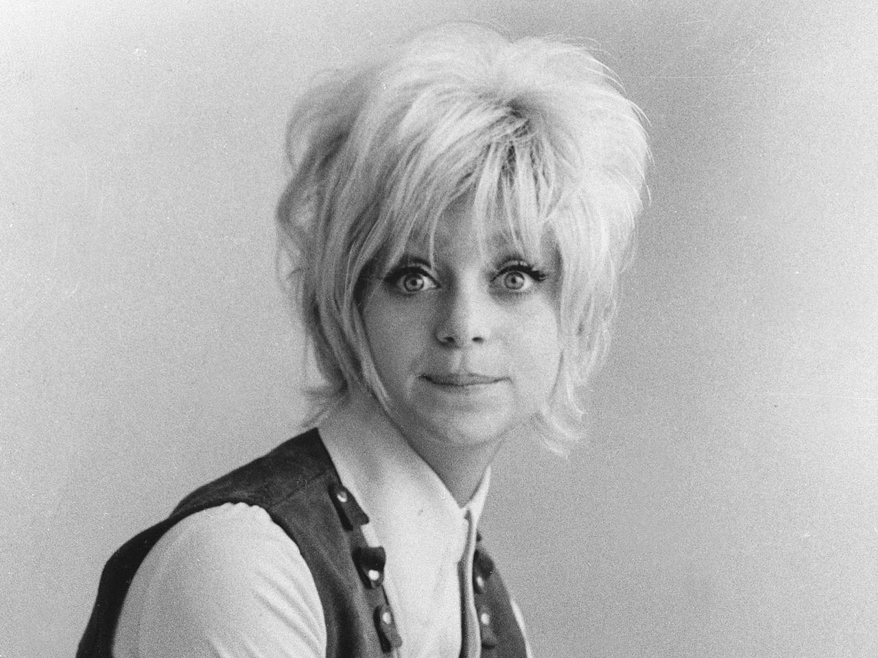 Goldie - Goldie Hawn - Pictures - CBS News