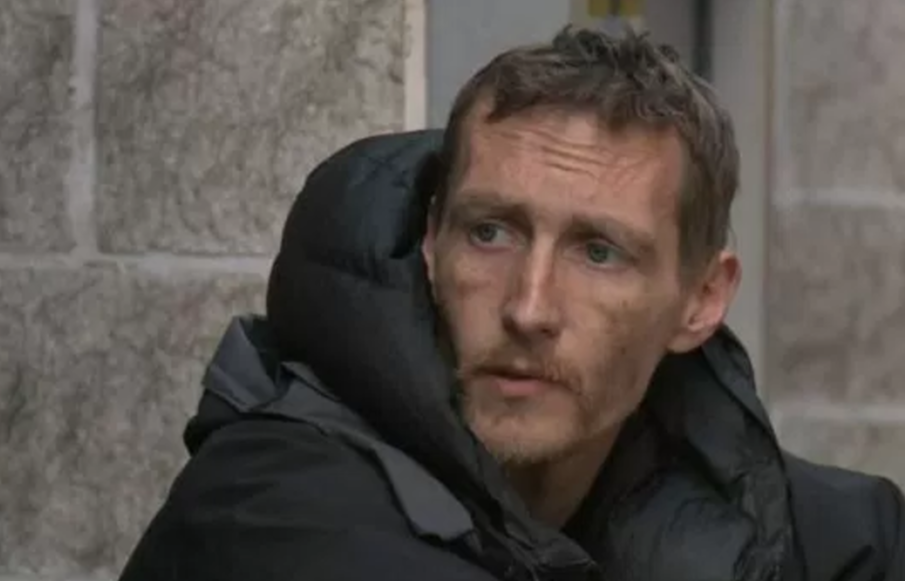 Homeless man gets new apartment after helping Manchester bombing victims