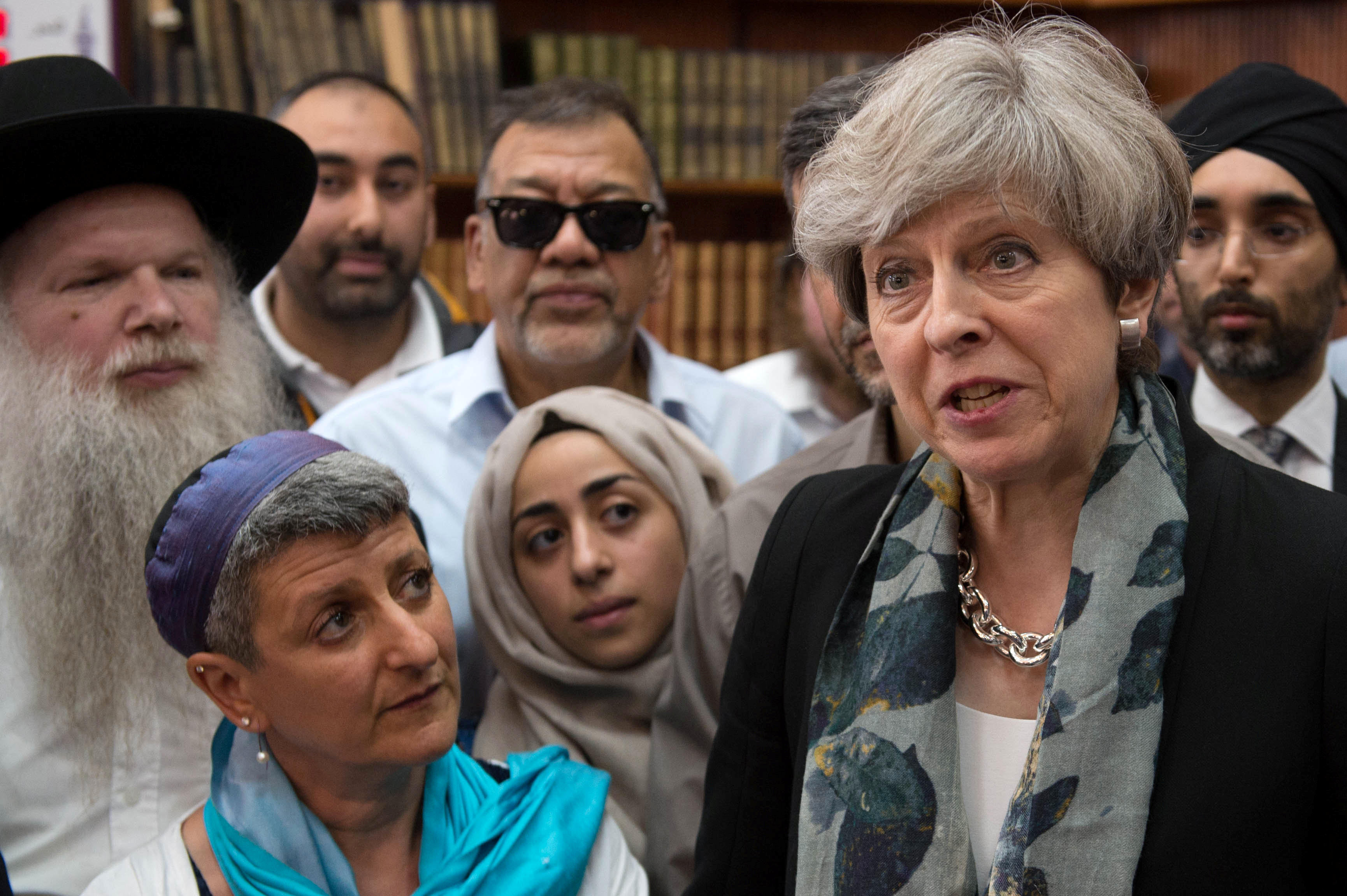 8dde37c77c2 London terror attack on Muslims spurs officials to try to ease tensions