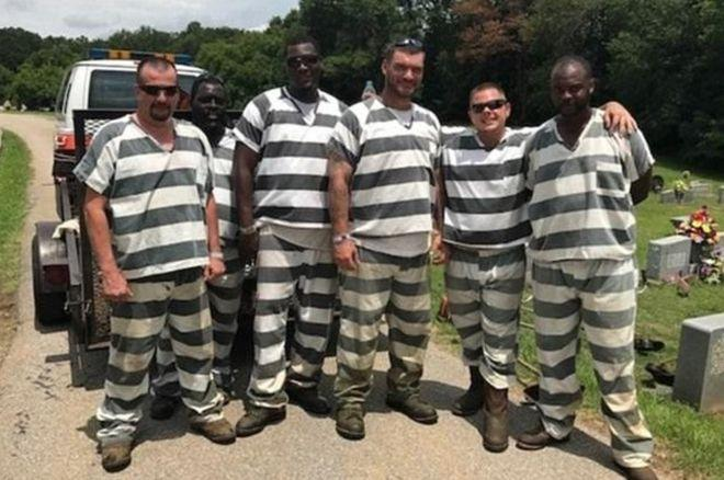 cbsnews.com - christina capatides - Six inmates who saved guard's life rewarded with shorter sentences