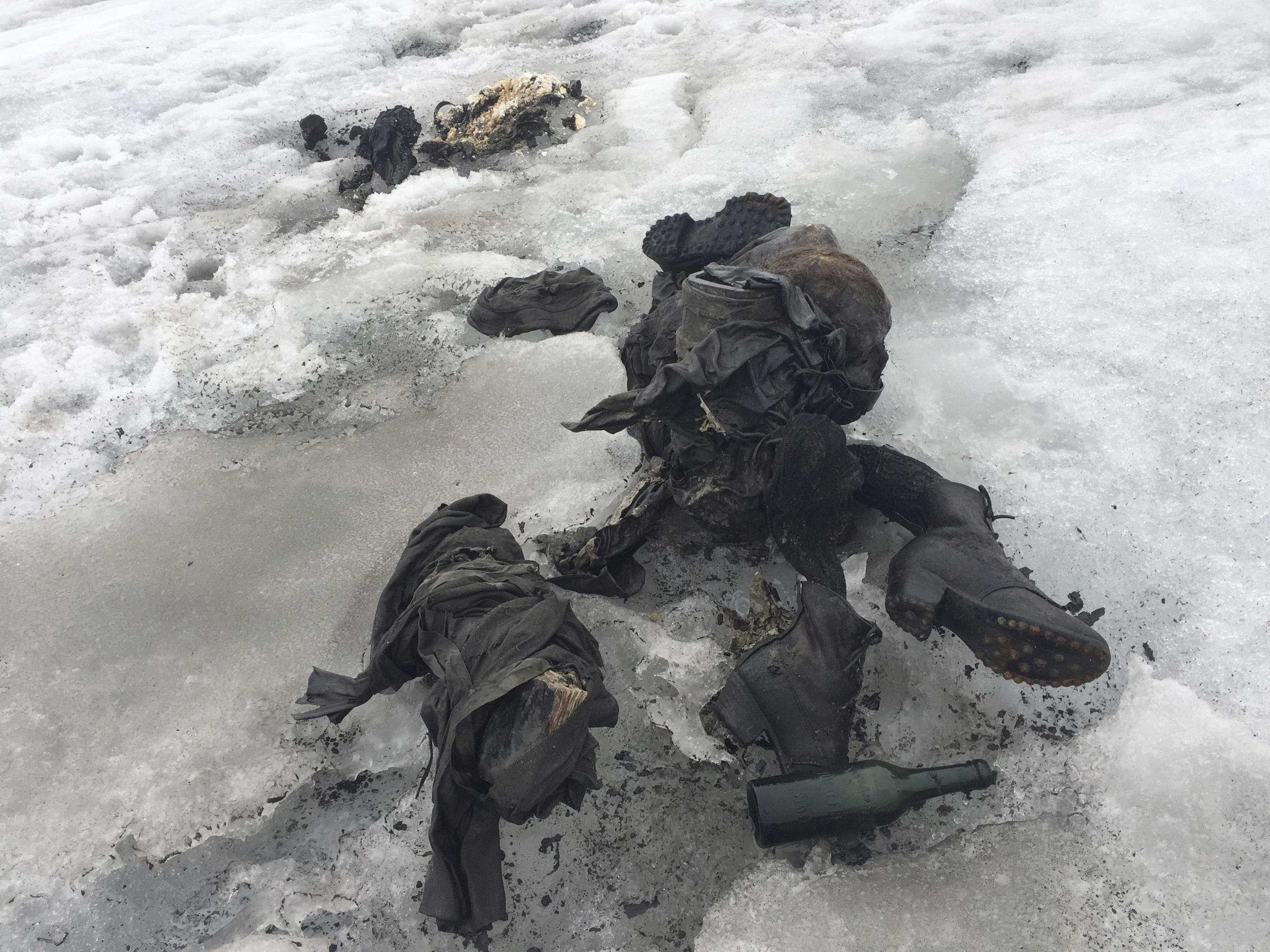 How 2 bodies in Swiss glacier stayed mummified for 75 years