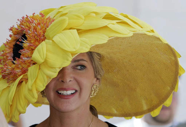Как сделать из цветов шляпу