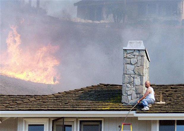 Fire Singes SoCal Hills