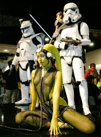 Fans Flock to Comic-Con