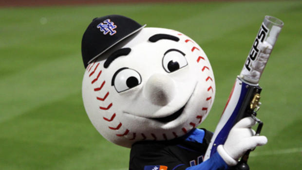 Mets reportedly fire employee who flipped off fan as Mr. Met