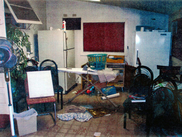 Inside Phillip Garrido S House Photo 1 Pictures Cbs News