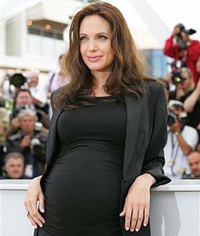 Angelina Jollie Pregnant 22
