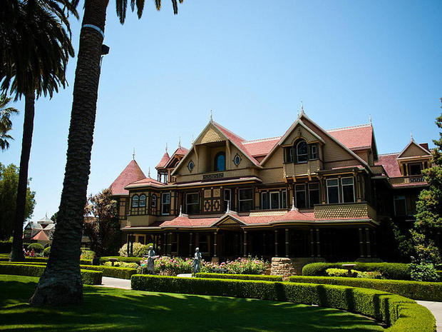 Scariest Haunted Houses in U.S.