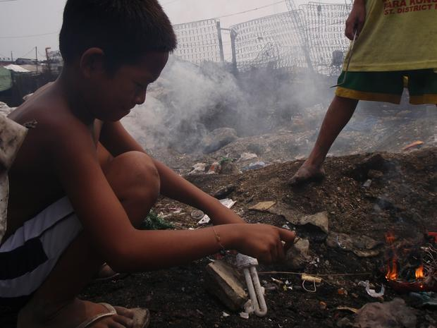 Philippines Child Trash Pickers