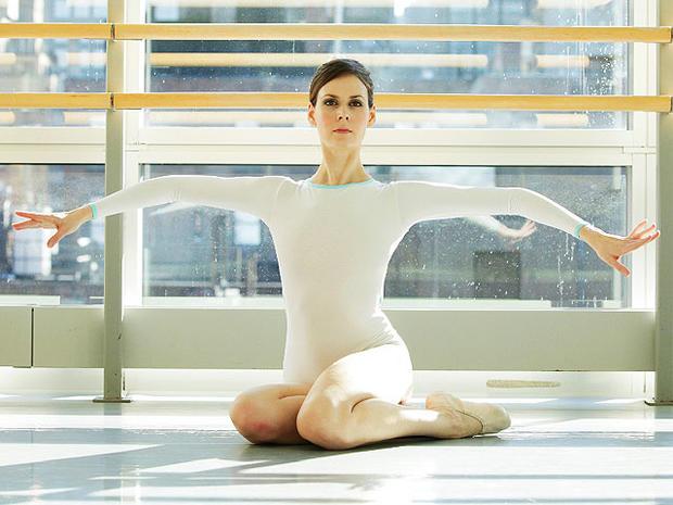 "Natalie Portman's Sexy ""Black Swan"" Workout"