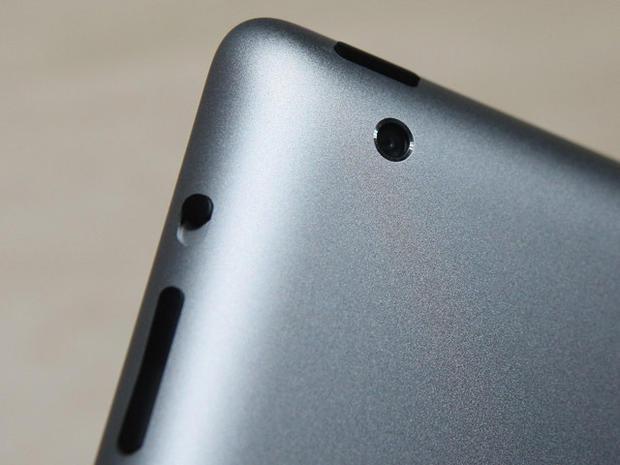Steve Jobs unveils the iPad 2