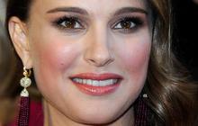 Mike Huckabee criticizes Natalie Portman for unwed pregnancy