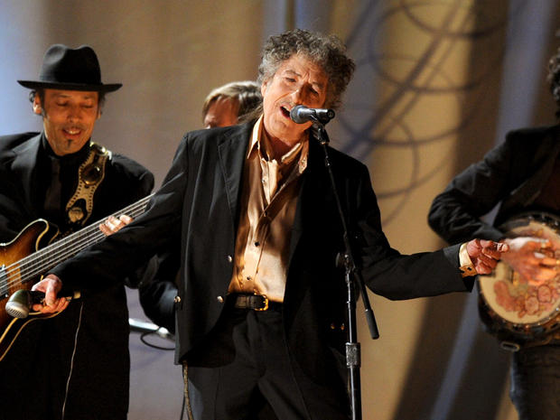Bob Dylan set to perform in Vietnam - CBS News