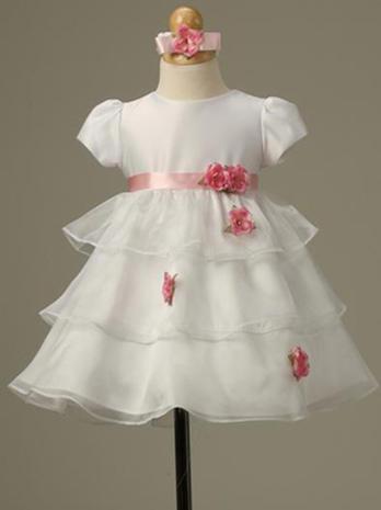 Adorable royal wedding dress-up