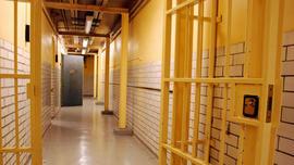 Computer glitch releases 450 violent California prisoners