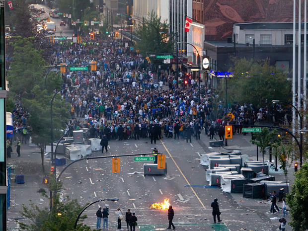 Vancouver riots after Canucks lose Stanley Cup Final