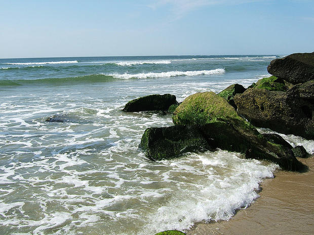 Top 10 dirtiest beaches in America