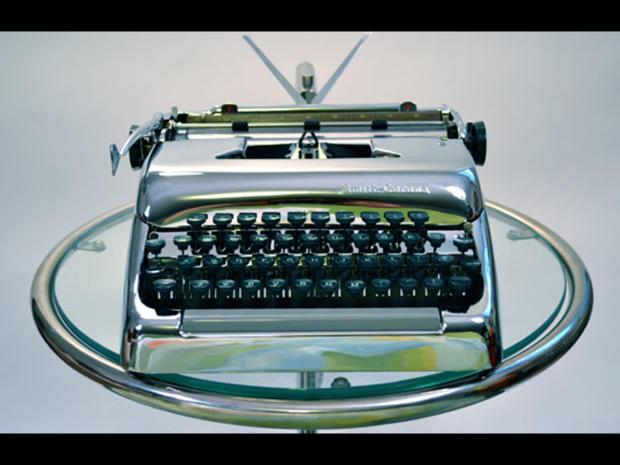 12 sexy typewriters