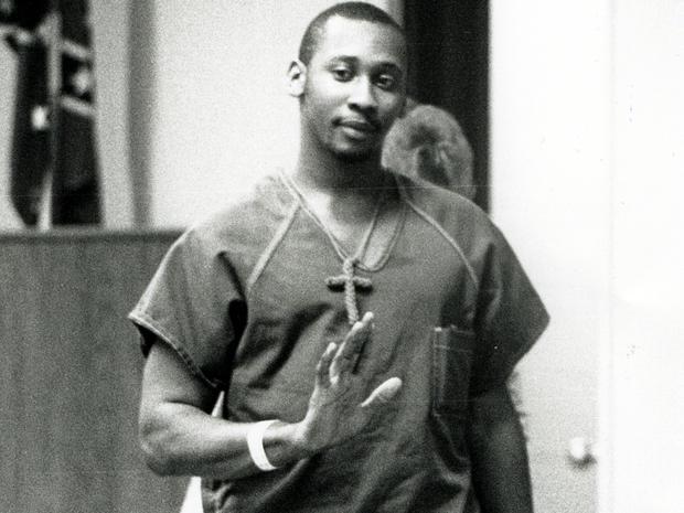 1991年1月16日,特洛伊·安东尼·戴维斯(Troy Anthony Davis)因为下班警察Mark MacPhail被枪杀而受审。乔治亚州的赦免委员会拒绝了2011年9月20日戴维斯的宽大处理,尽管他声称他在1989年错误地判定杀害MacPhail罪名得到高调支持。戴维斯将于2011年9月21日死亡。这是四次中的第四次格鲁吉亚官员已安排执行死刑。