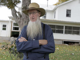 12 Ohio Amish plead not guilty in beard-cutting attacks