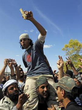 Qaddafi gun sirte
