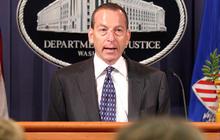 Top official admits to gunwalking scandal