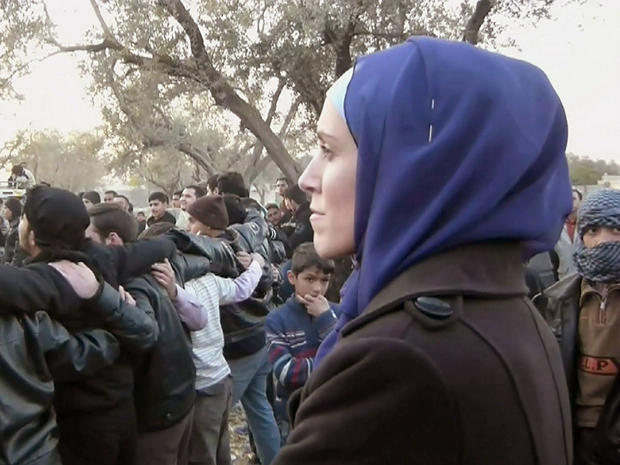 Clarissa Ward observes an opposition gathering in the suburbs of Damascus