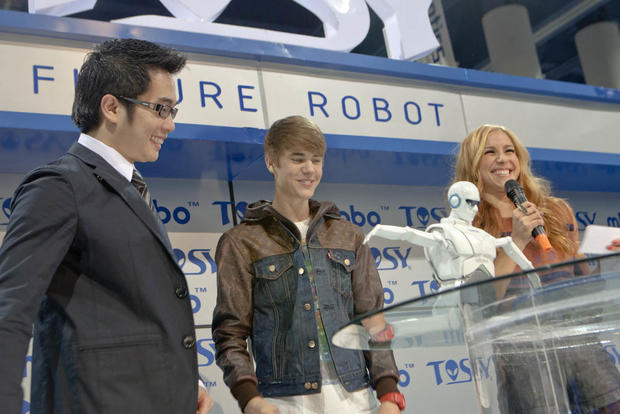 Justin Beiber takes the stage at CES
