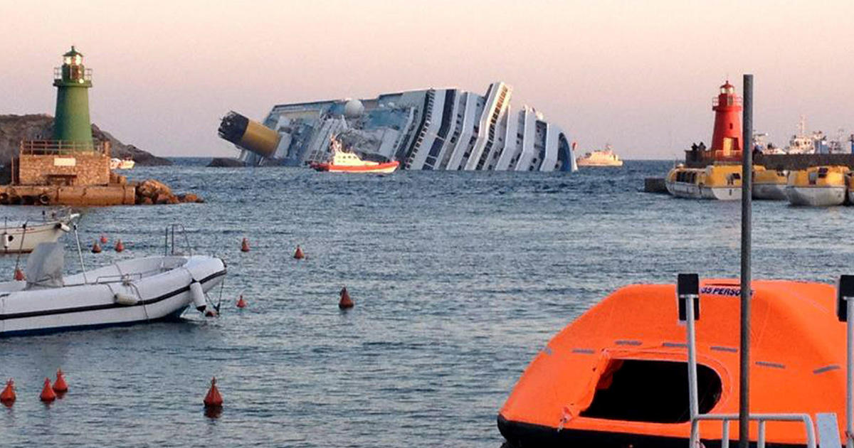Cruise ship runs aground off Italy, 3 dead