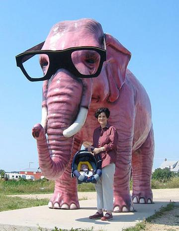 Really big, odd roadside attractions