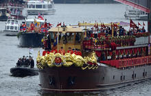 River pageant makes for a memorable Diamond Jubilee
