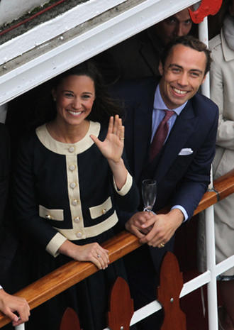 Queen's Jubilee: Fashion of the flotilla