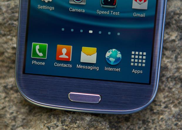 Samsung Galaxy S III hits U.S. stores