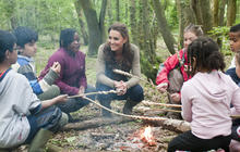 Kate goes camping with U.K. schoolchildren