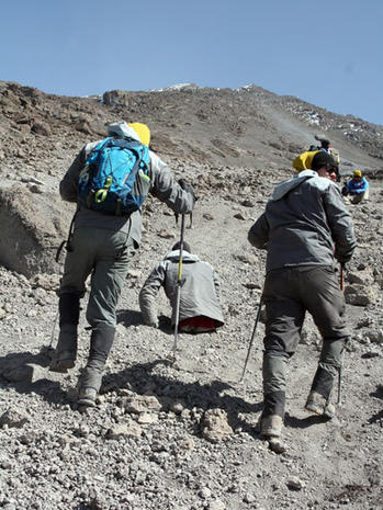 Man without legs climbs Mt. Kilimanjaro