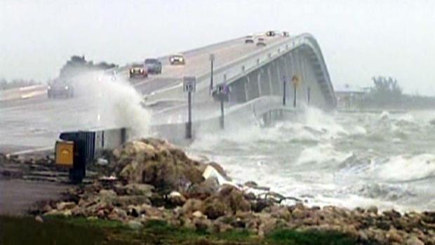 热带风暴黛比在海湾徘徊,淹没佛罗里达州。