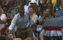 Obama addresses Virginians in pouring rain
