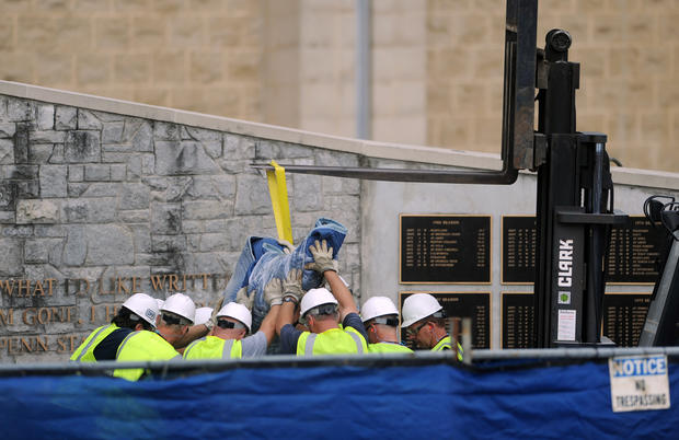 Penn State removes Joe Paterno statue