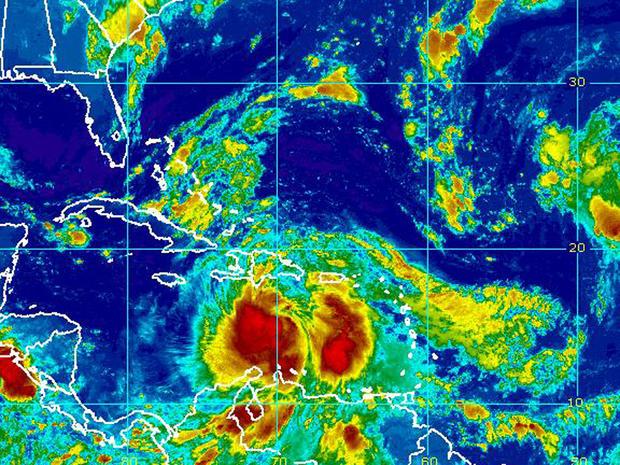 热带风暴艾萨克的卫星图象打旋在加勒比早期的星期五,2012年8月24日