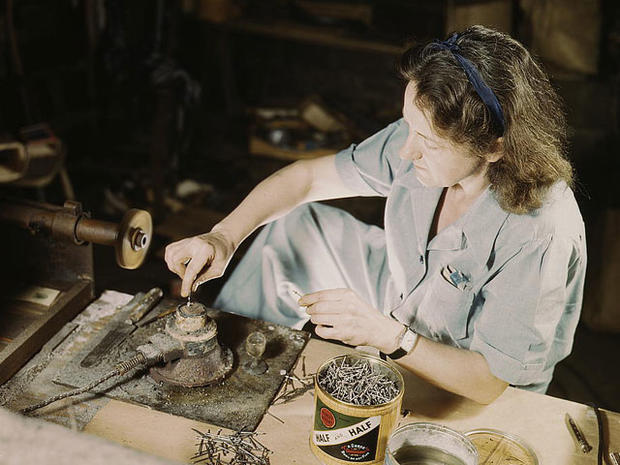 Rare color photos: 1940s working women