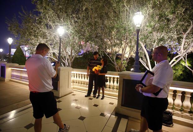 Curbside Vegas weddings for $99
