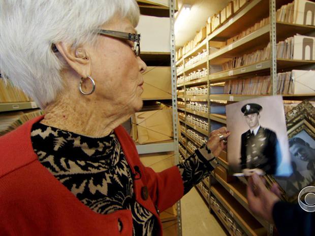 约翰罗杰斯最有价值的照片是他的祖父,他现在已经去世,是一名年轻的空军中校。