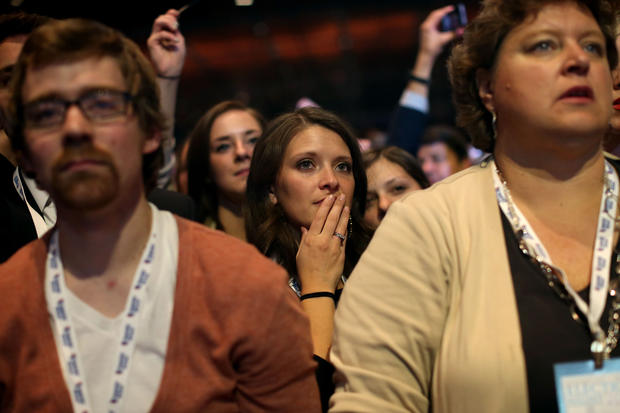 Romney concedes, thanks supporters