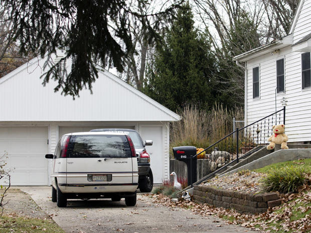 5 dead in apparent murder-suicide at Ohio home