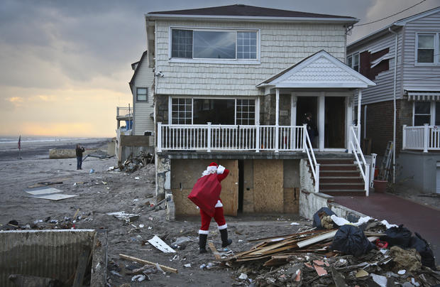Santa brings gifts to Superstorm victims