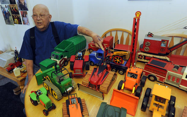 Wooden toy maker